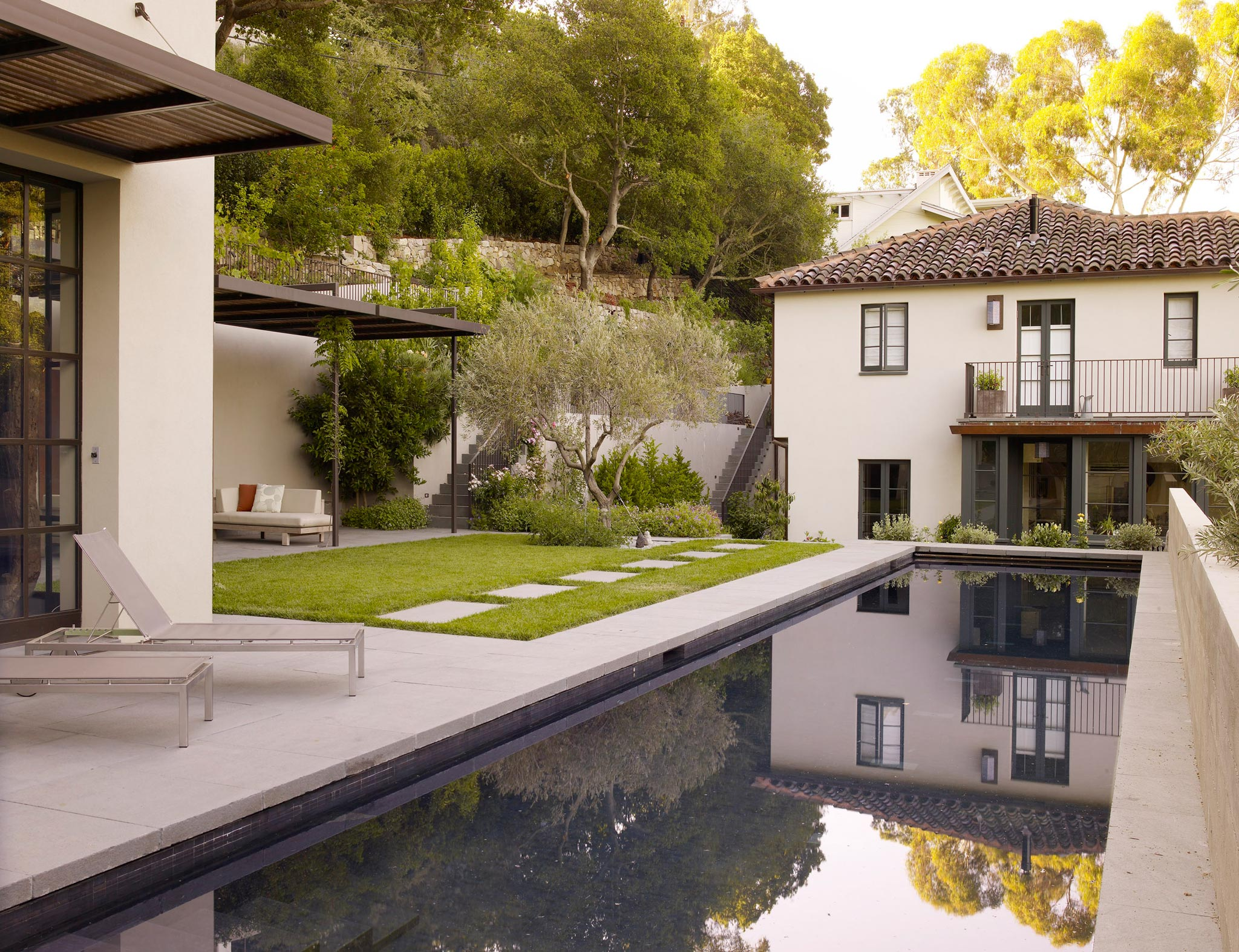 Claremont modern aesthetic pavillon house outside view of swimming pool and garden