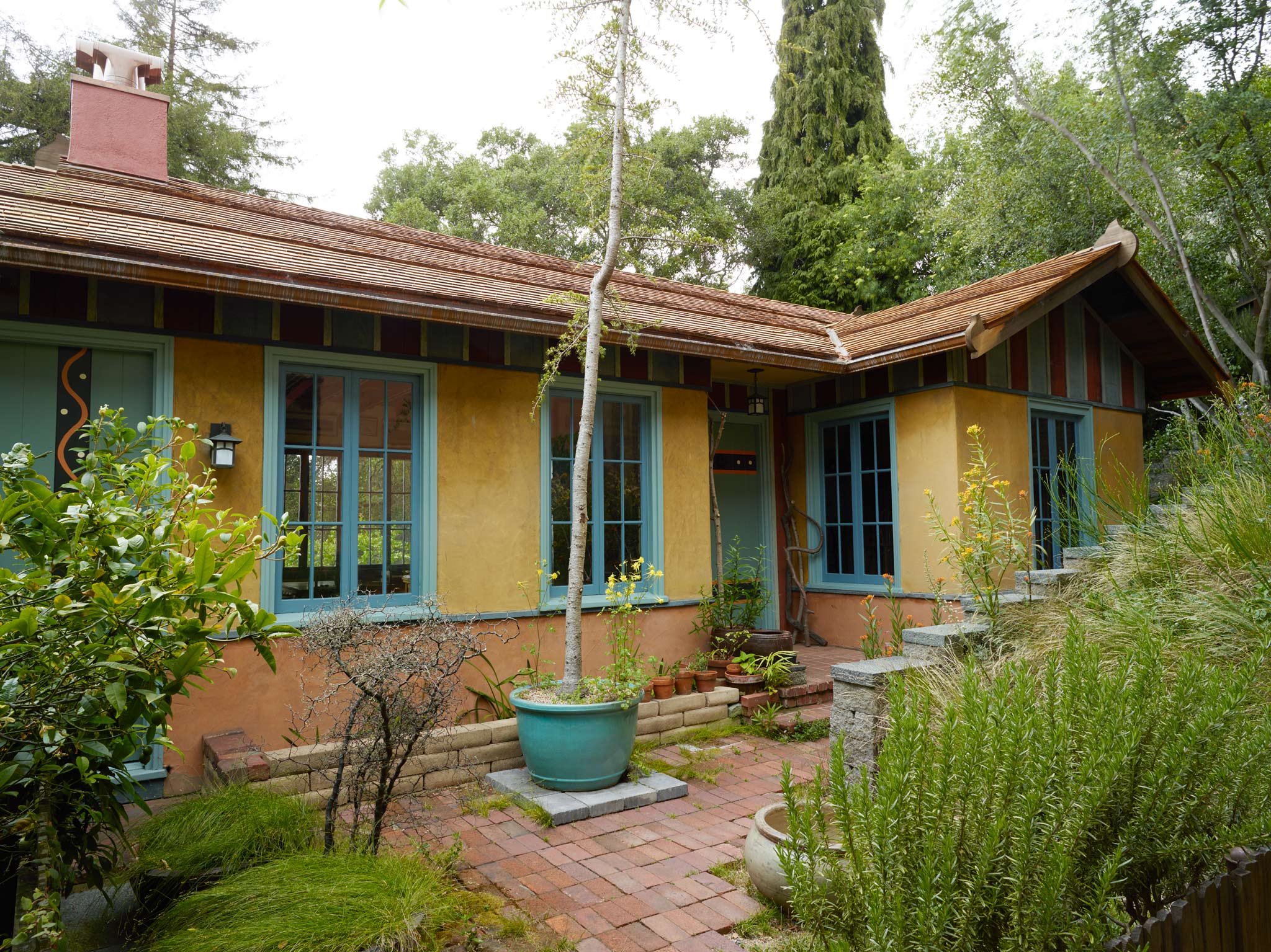 Tolman Cottages restoration of local landmark outside view