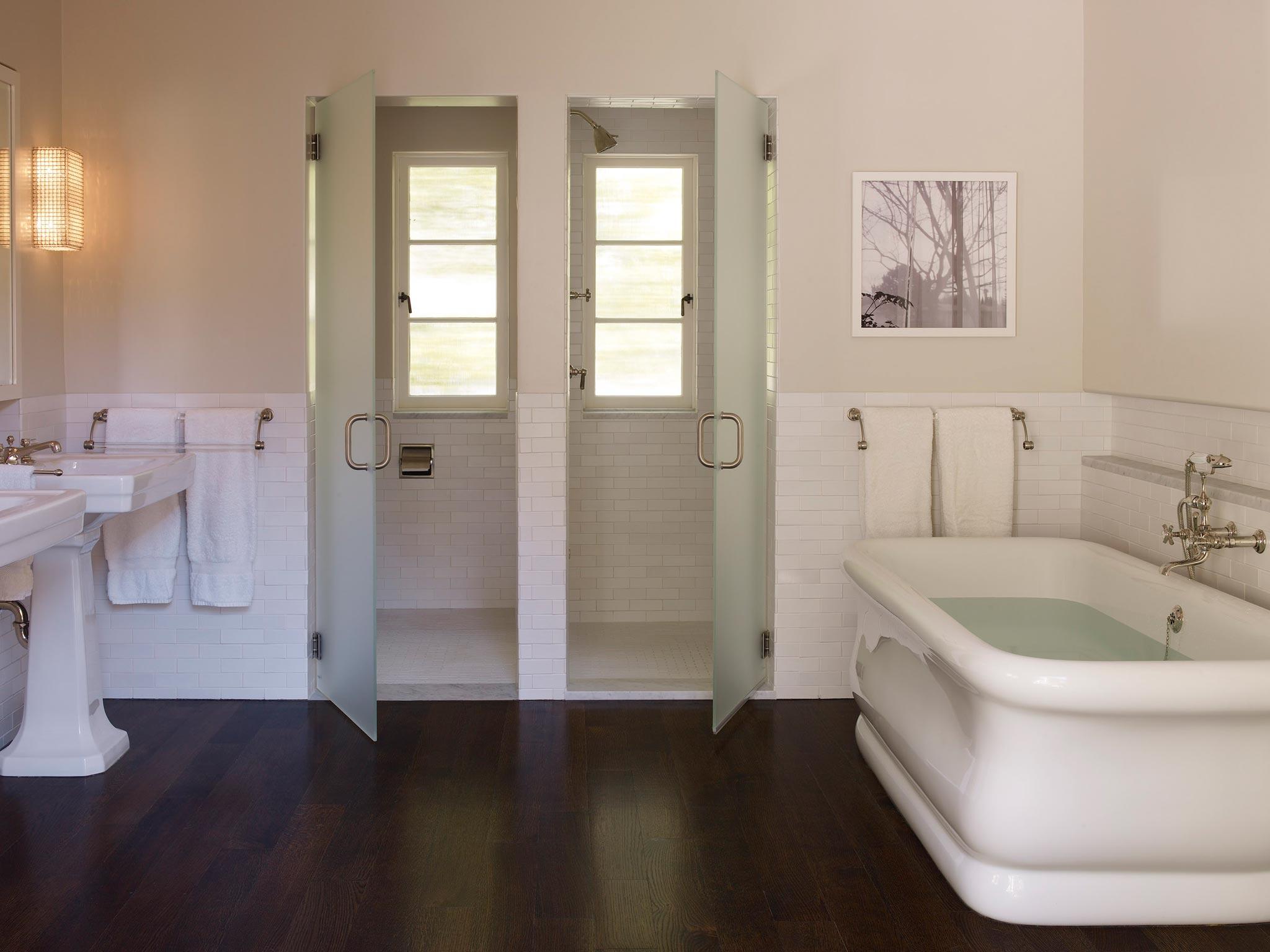 Claremont modern aesthetic pavillon house interior view of bathroom