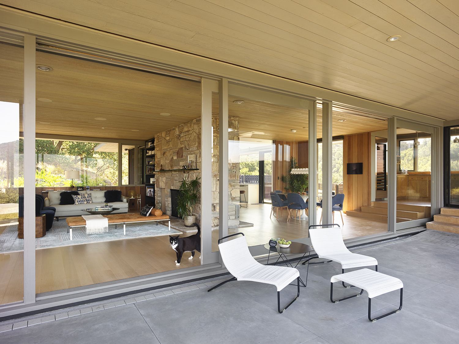 Herspring House renovated in Kentfield California, outside view of the living room and terrace